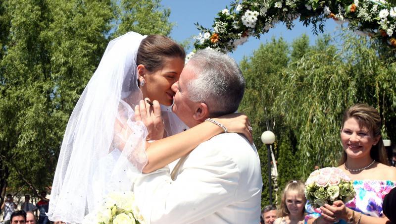 Irinel Columbeanu și Monica Gabor la nuntă se sărută