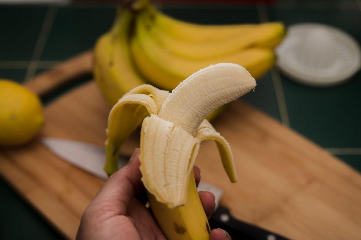 Ea e tânăra care mănâncă 120 de banane pe săptămână. Rebecca Rosenberg a spus ce s-a întâmplat cu corpul ei după un timp