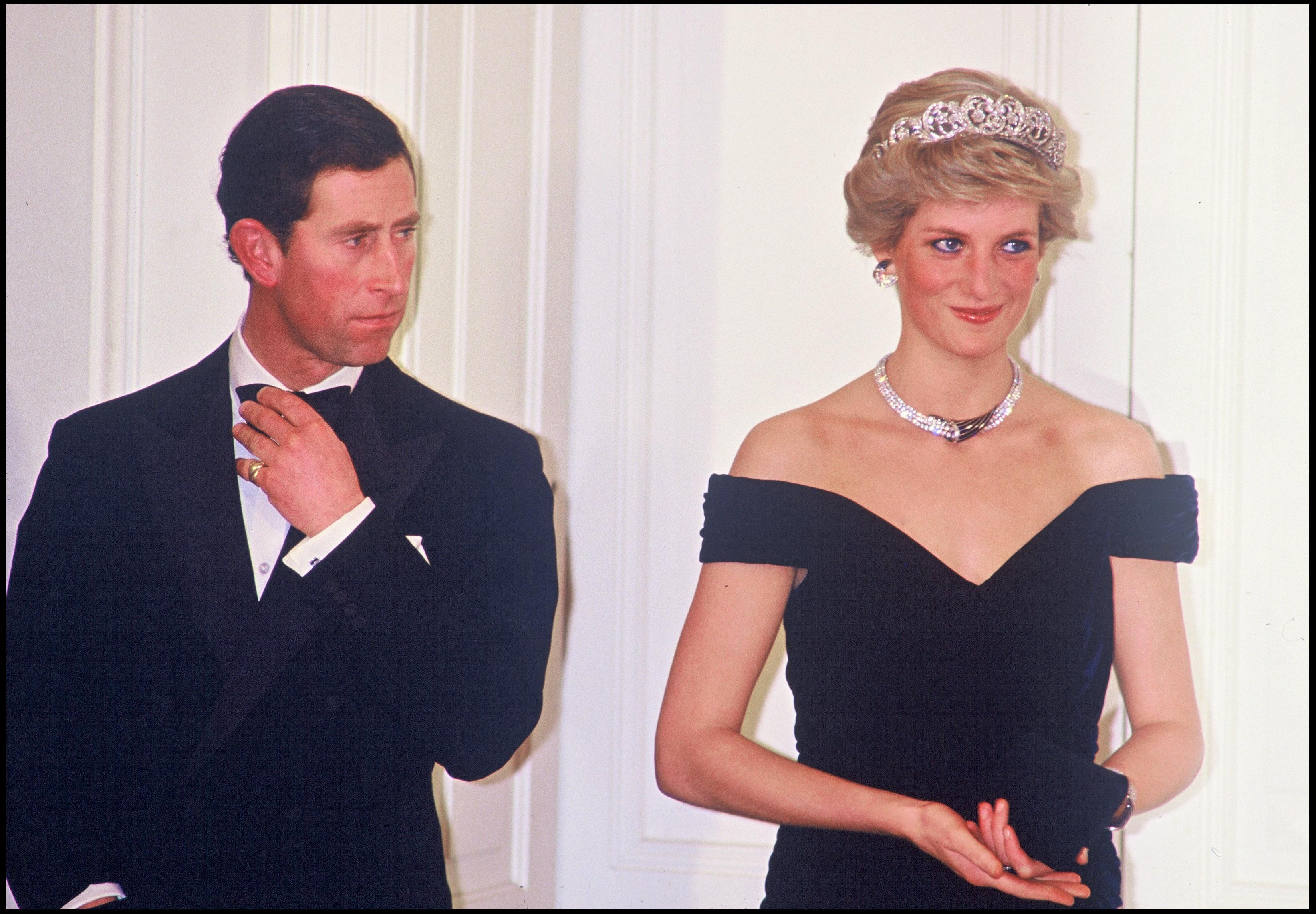 Kaden Luna, bărbatul care a devenit celebru pe Tik Tok recreând ținutele celebre ale Prințesei Diana. Cum arată tânărul de 20 ani