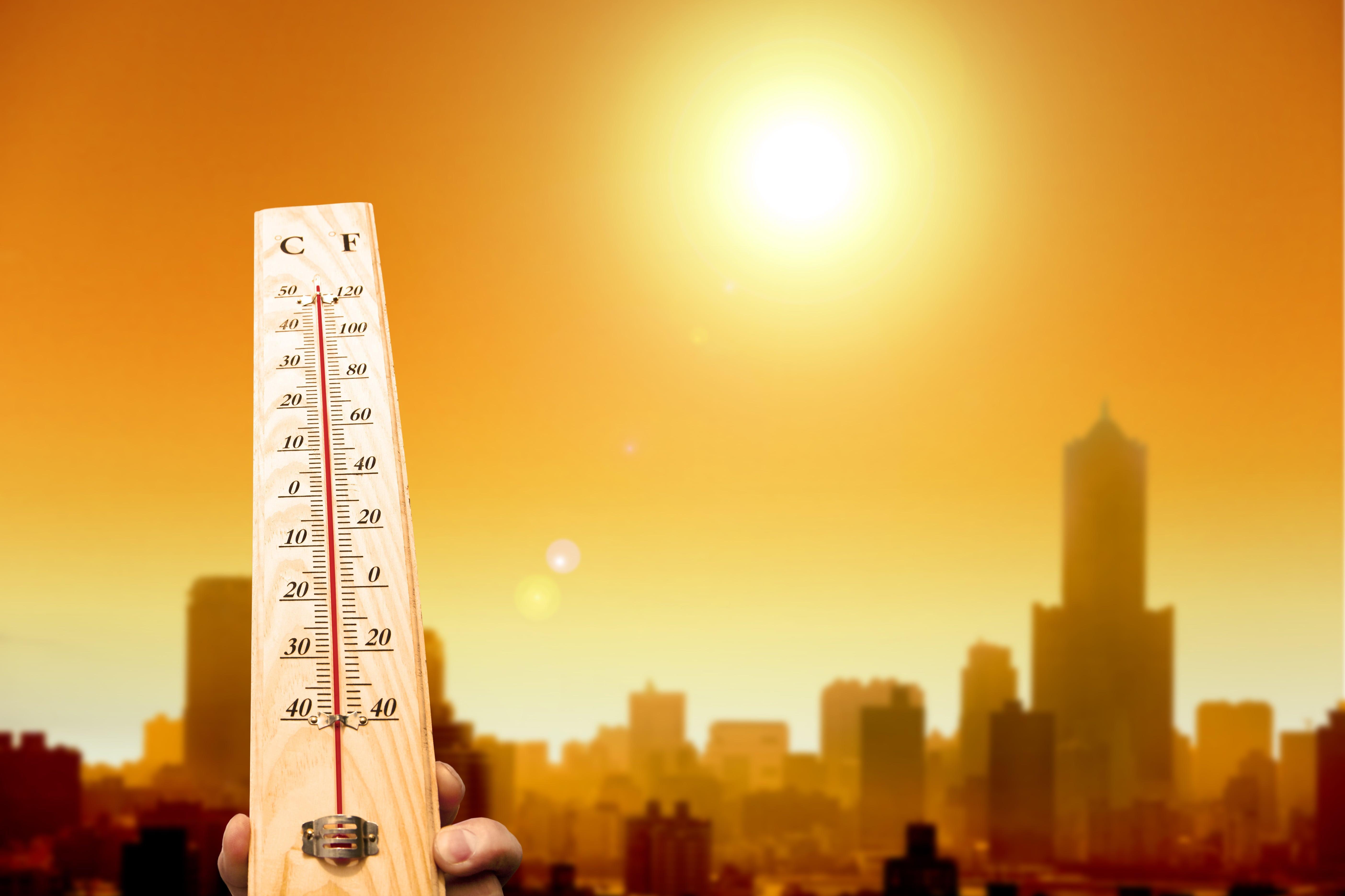 Alertă ANM! Meteorologii anunță Cod Portocaliu de caniculă. Se vor înregistra temperaturi între 38 şi 40 de grade. Zonele afectate