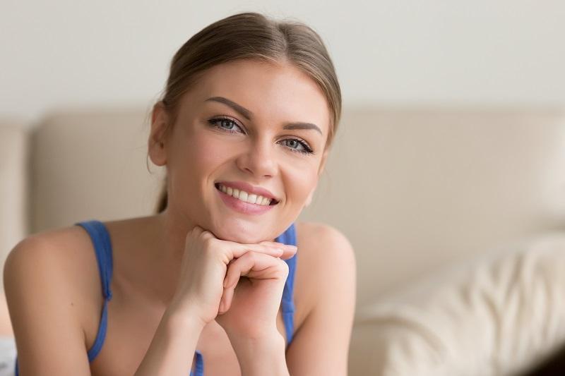 (P) În cazul unui implant dentar, prețul face diferența? Vezi răspunsul specialiștilor!