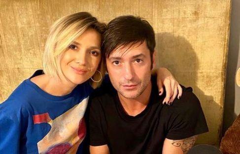 Radu Vâlcan, fotografia emoționantă alături de soția lui. Aceștia au mers la plimbare fiul nou născut