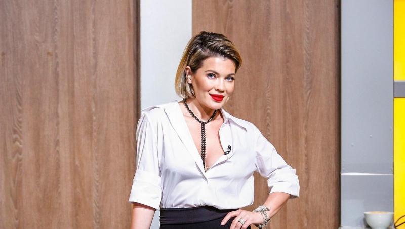 Gina Pistol este prezentatoarea show-ului culinar Chefi la Cuțite