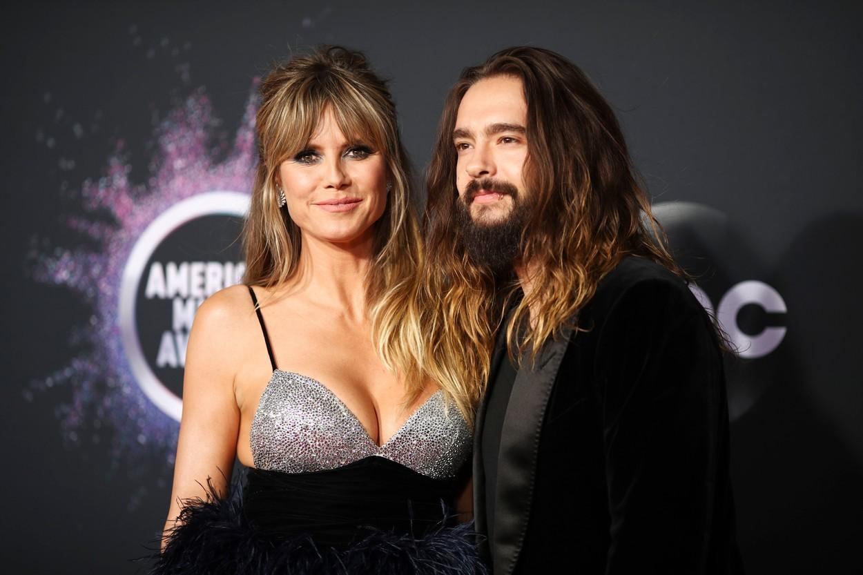 Heidi Klum, în tandrețuri cu soțul Tom Kaulitz. Cei doi nu au putut să stea departe unul de altul la plajă