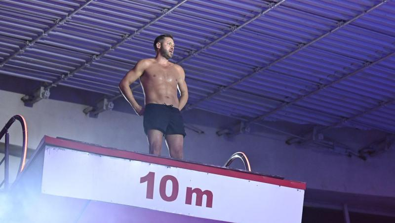 Cristi Pulhac sare de la 10 metri