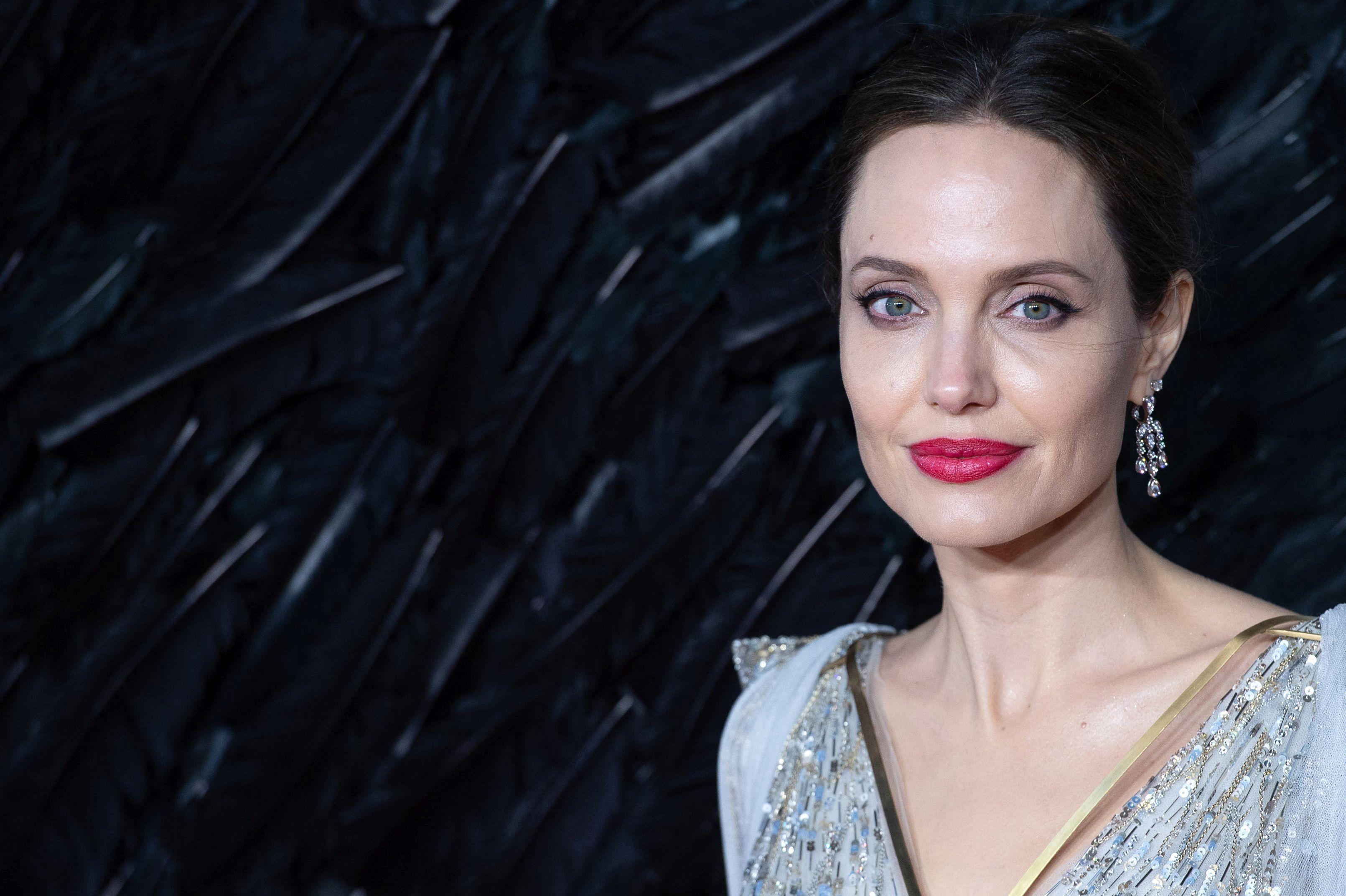 Angelina Jolie și-a făcut cont de Instagram. Cât de repede a reușit să strângă un milion de urmăritori