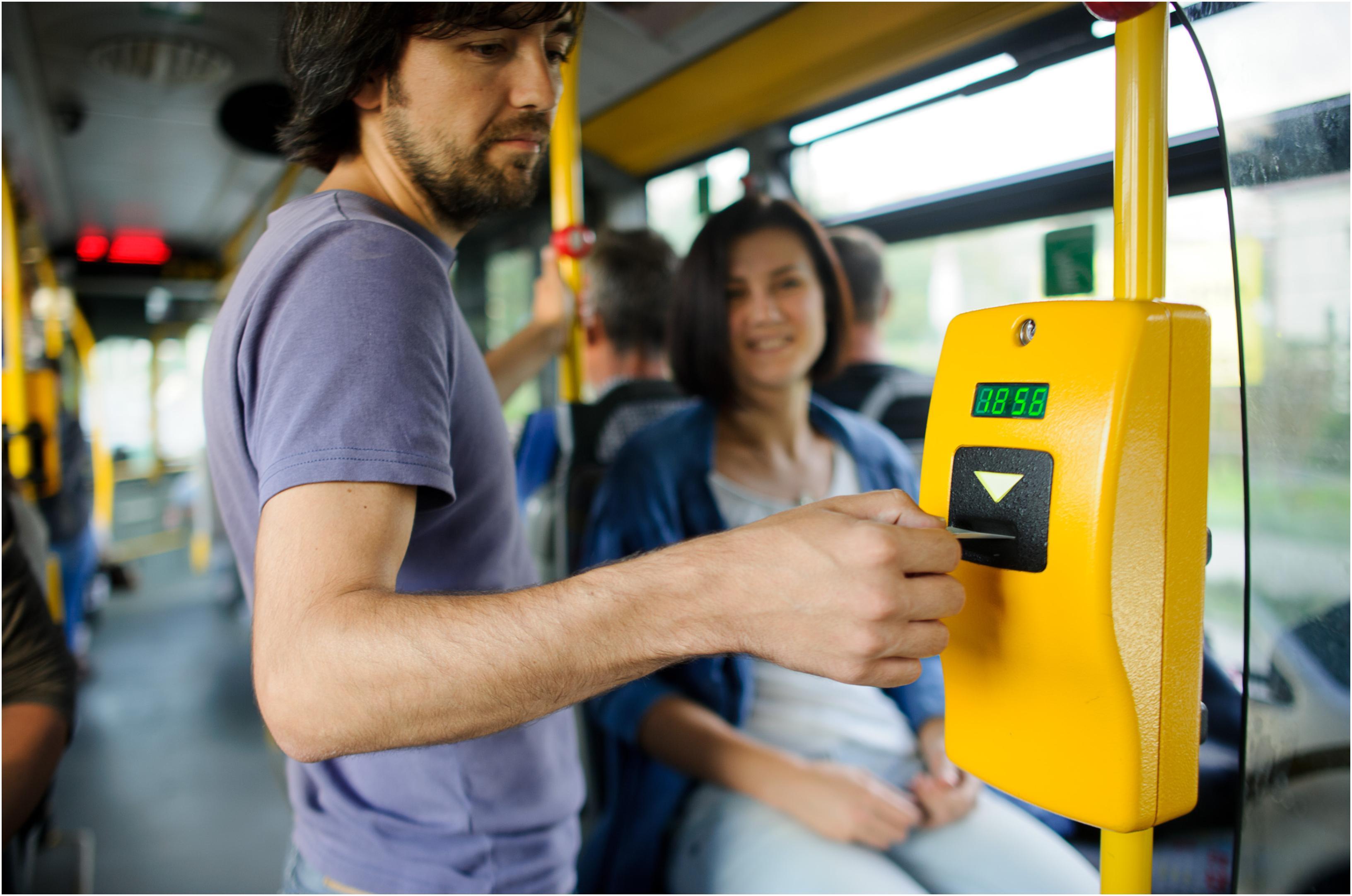 Ce trebuie să faci ca să obții bilete gratuite pentru transportul în comun. Călătorii fără bani pentru un simplu lucru, în Cluj