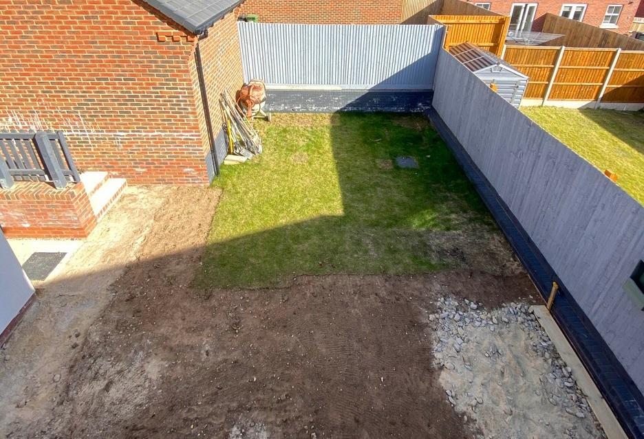 Vecinii au fost uluiți când au văzut ce a putut să facă o femeie, chiar în curtea casei sale. Imaginile sunt virale