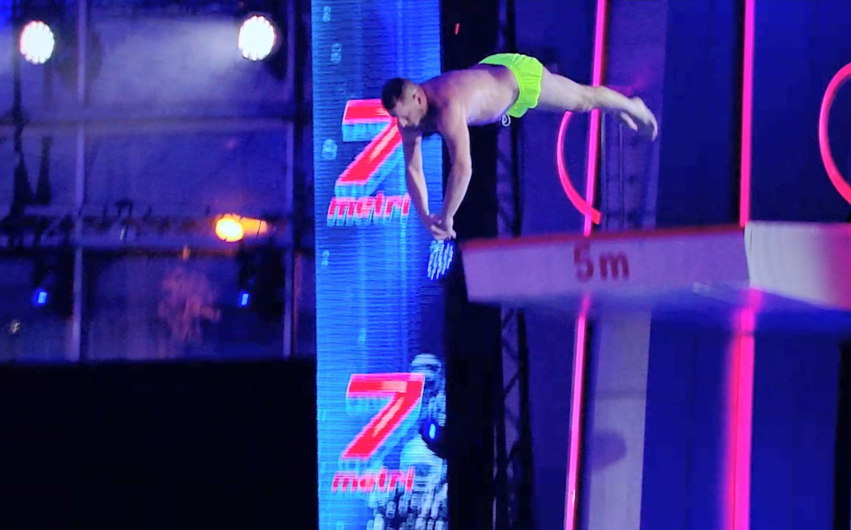 Splash! Vedete la apă, 28 august 2021. Sonny Medini, săritură spectaculoasă de la 7 metri. A fost apreciat de juriu