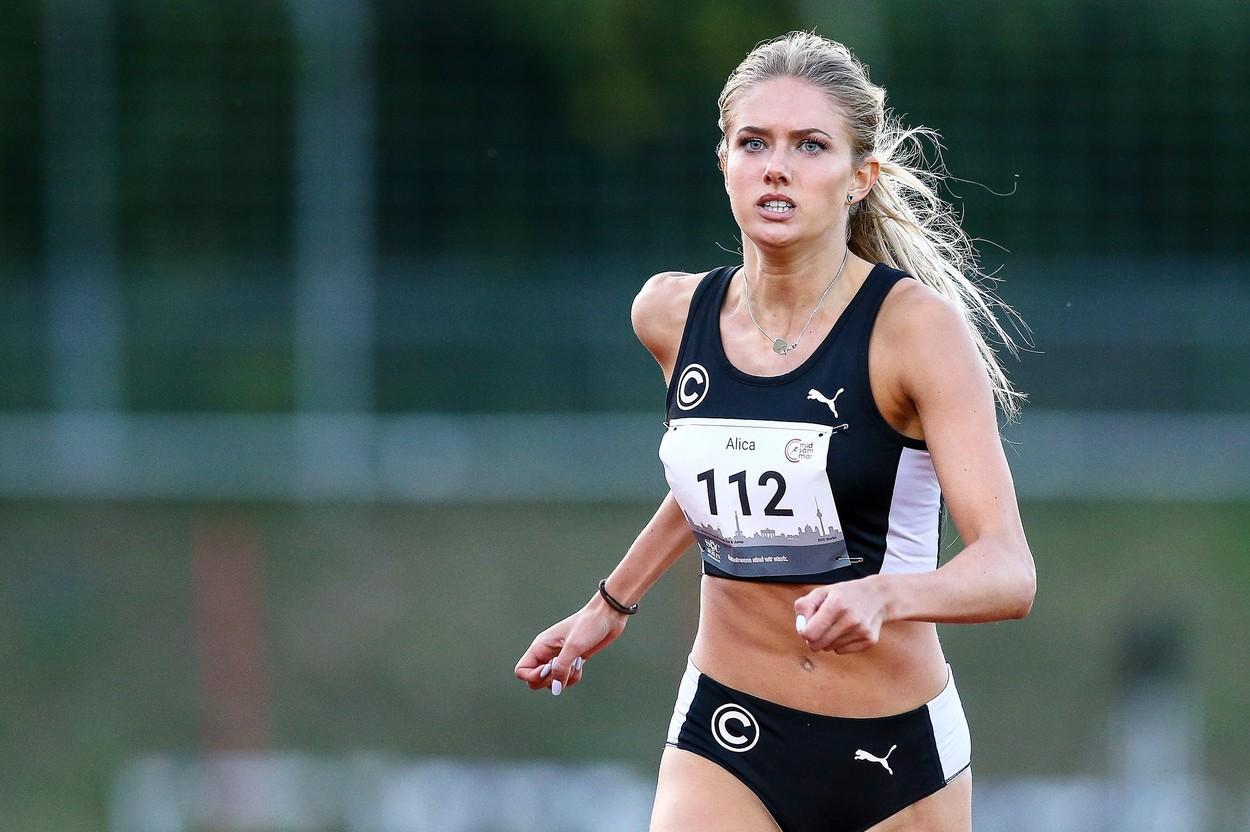 Alica Schmidt, cea mai sexy sportivă de la Jocurile Olimpice 2020, a primit o ofertă la care nu se aștepta