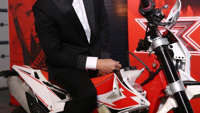 Dani Oțil pe motocicletă, la X Factor