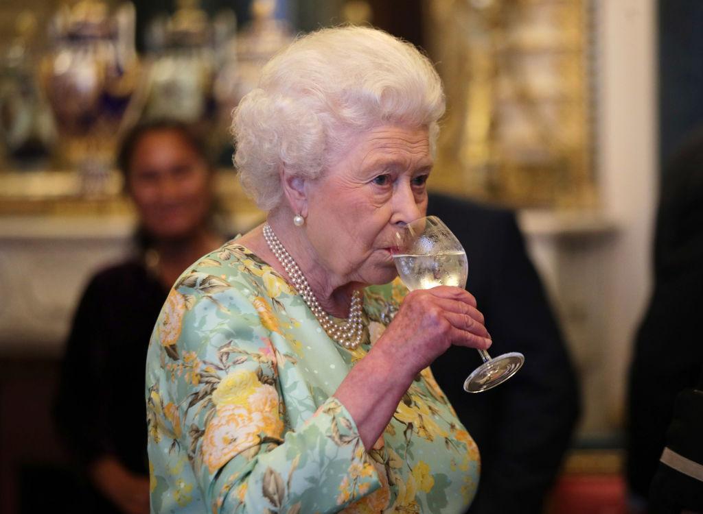 De ce Regina Elisabeta a II-a nu a mers la școală și ce educație a primit, de fapt, Monarhul