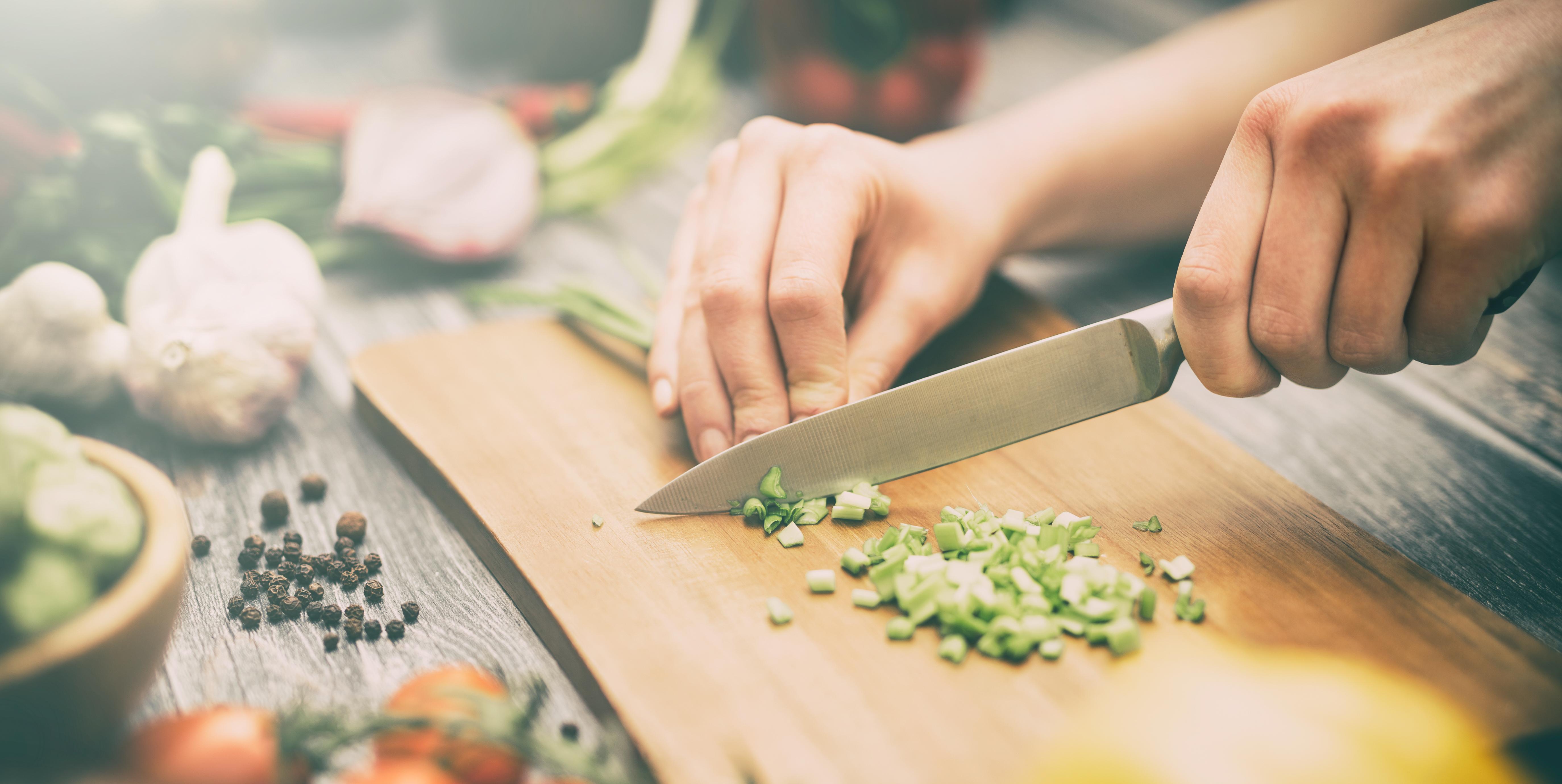Ce trebuie să știi/faci dacă nu îți place să gătești