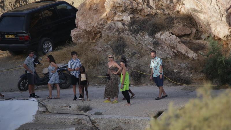 Charlize Theron, poze din vacanța în Grecia