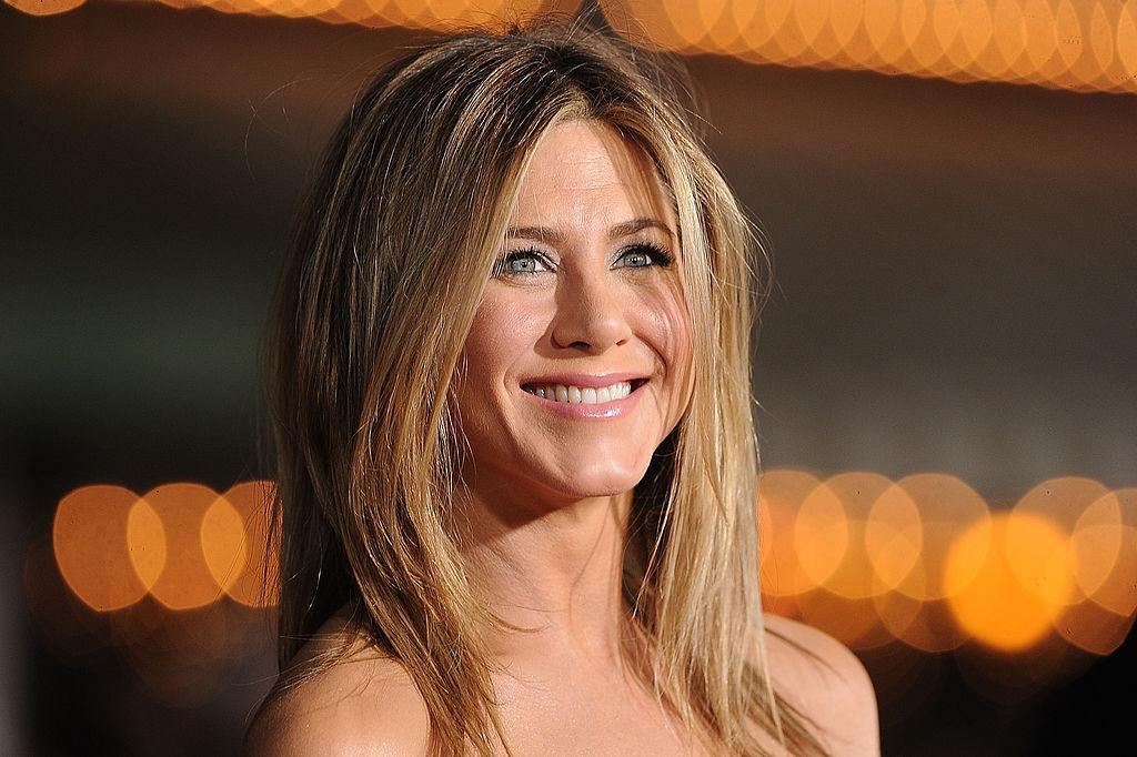 Jennifer Aniston, fără pic de machiaj, i-a făcut pe fani să se întrebe dacă chiar are 52 de ani. Cum arată așa