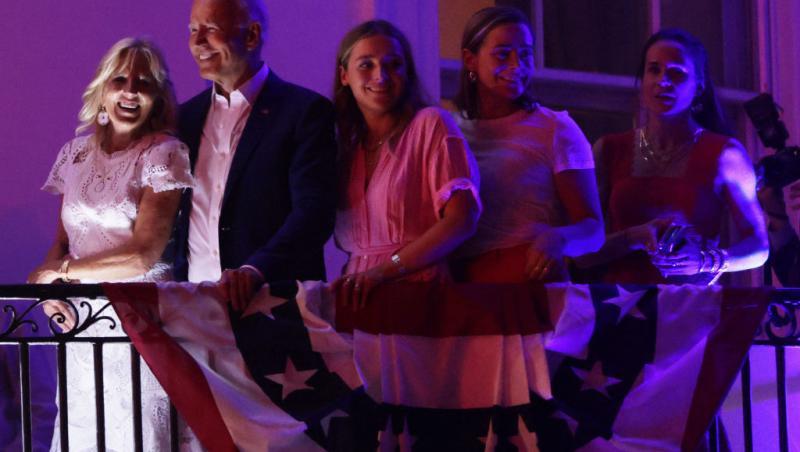 Naomi Biden, nepoata lui Joe Biden, alături de Joe Biden și alți membri din familie