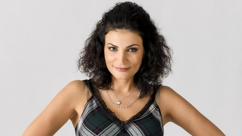 Ioana Ginghină face parte din distribuția serialului Adela