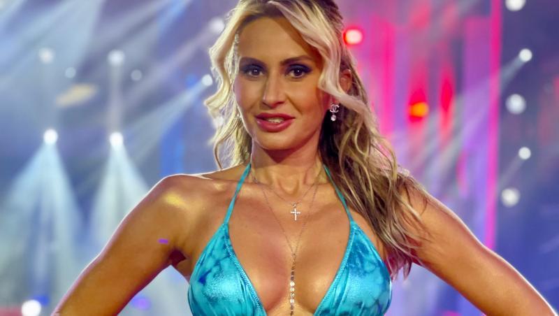 """Crina Abrudan i-a impresionat pe jurații emisiunii """"Splash! Vedete la apă"""" de la Antena 1"""