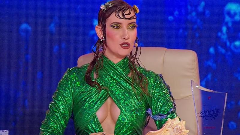 "Iulia Albu a ales o rochie verde în finala ""Splash! Vedete la apă"" de la Antena 1"