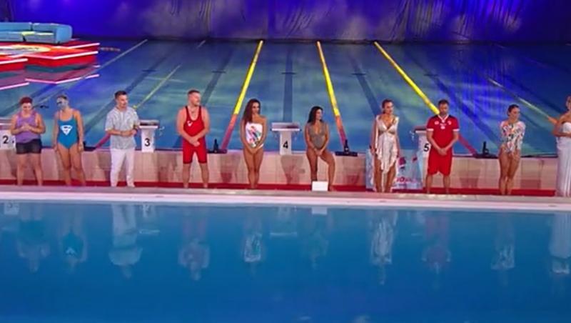 cei 8 finaliști alaturi de prezentatorii splash! vedete la apă