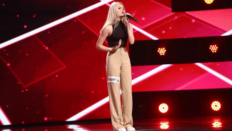 Delia Andrei pe scena X Factor