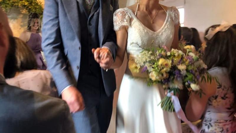james sherred si sotia sa, la nunta