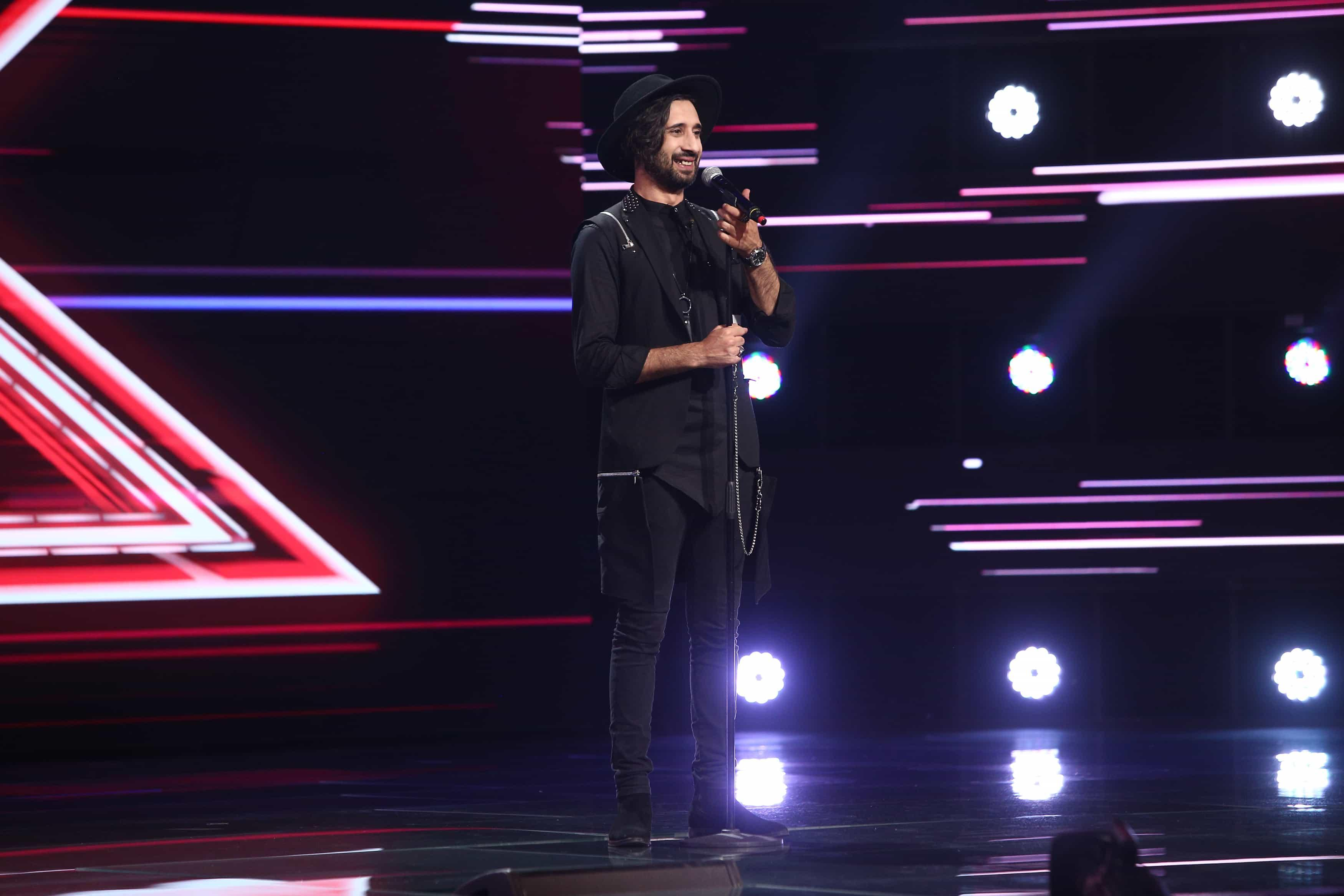 """X Factor 2021, 13 septembrie. Robert Cristian Nicolae a cucerit juriul cu interpretarea """"Blurred Lines"""", de Pharrell Williams"""