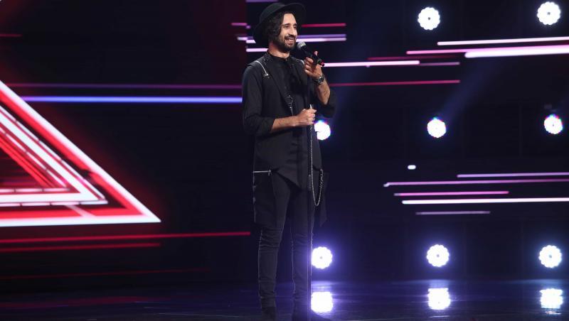 În a treia ediție X Factor 10, Robert Cristian Nicolae i-a cucerit pe jurați cu o interpretare atât cu vocea, cât și cu instrumentul.