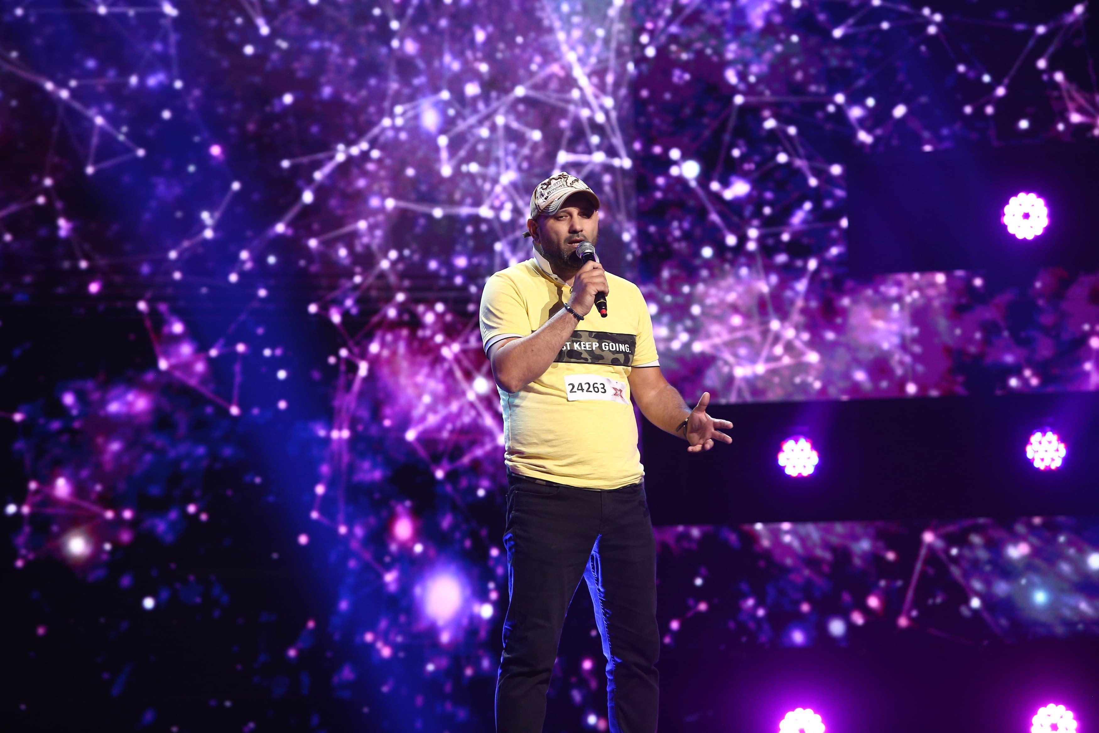 """X Factor 2021, 13 septembrie. Giani Baidoc a venit din """"taxiul discotecă"""" și a cântat Dan Spătaru - """"Să cântăm chitara mea"""""""