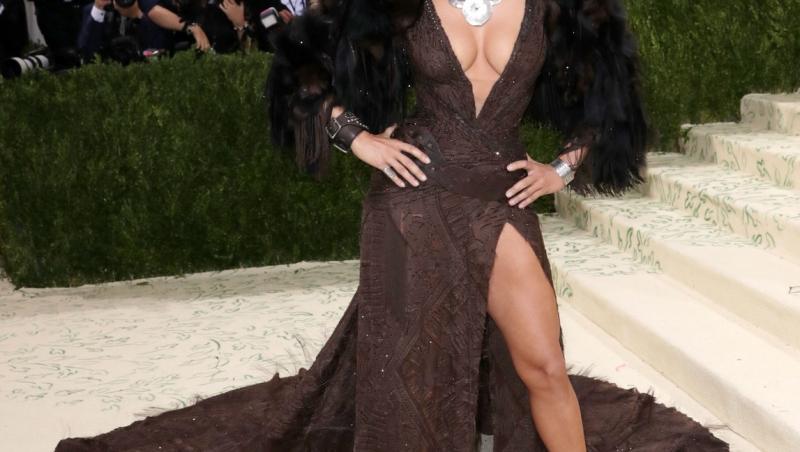Jennifer Lopez a arătat de vis la Met Gala 2021