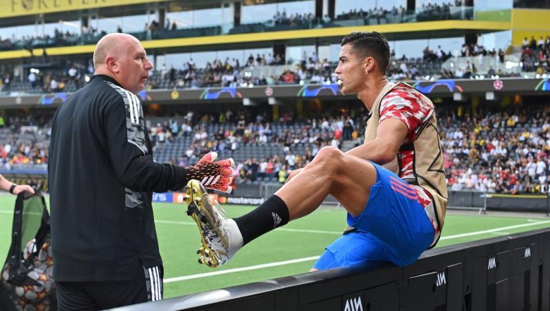 Cristiano Ronaldo a lovit cu mingea o femeie la meciul cu Young Boys. Sare peste panouri