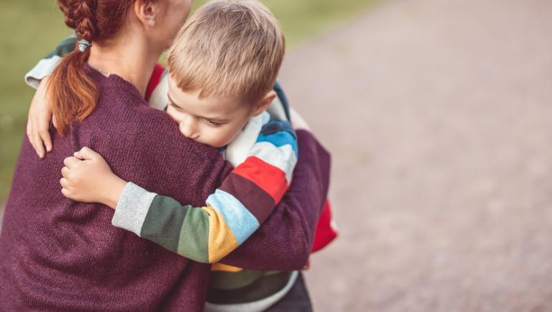 O mamă a povestit ce a pățit atunci când a mers să-și ia copilul de la școală