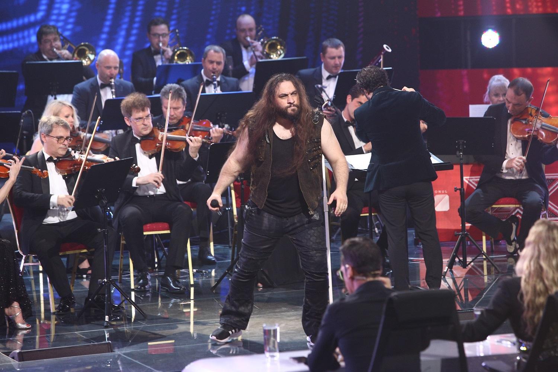 """Trooper și orchestra Metropolitană fac azi show la X Factor. Un concurent o uimește pe Delia: """"Cred că avem pe scenă câștigătorul"""""""