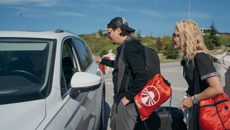 Mihai Petre și Elwira la autostop