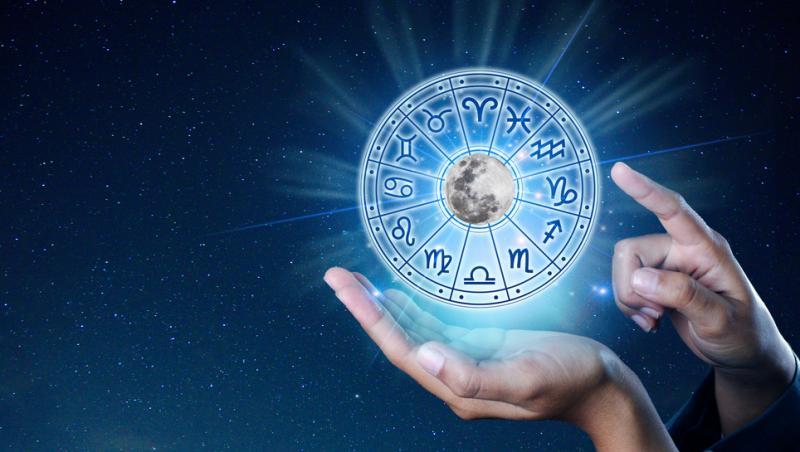 mana care tine un cerc cu cele 12 zodii ale horoscopului
