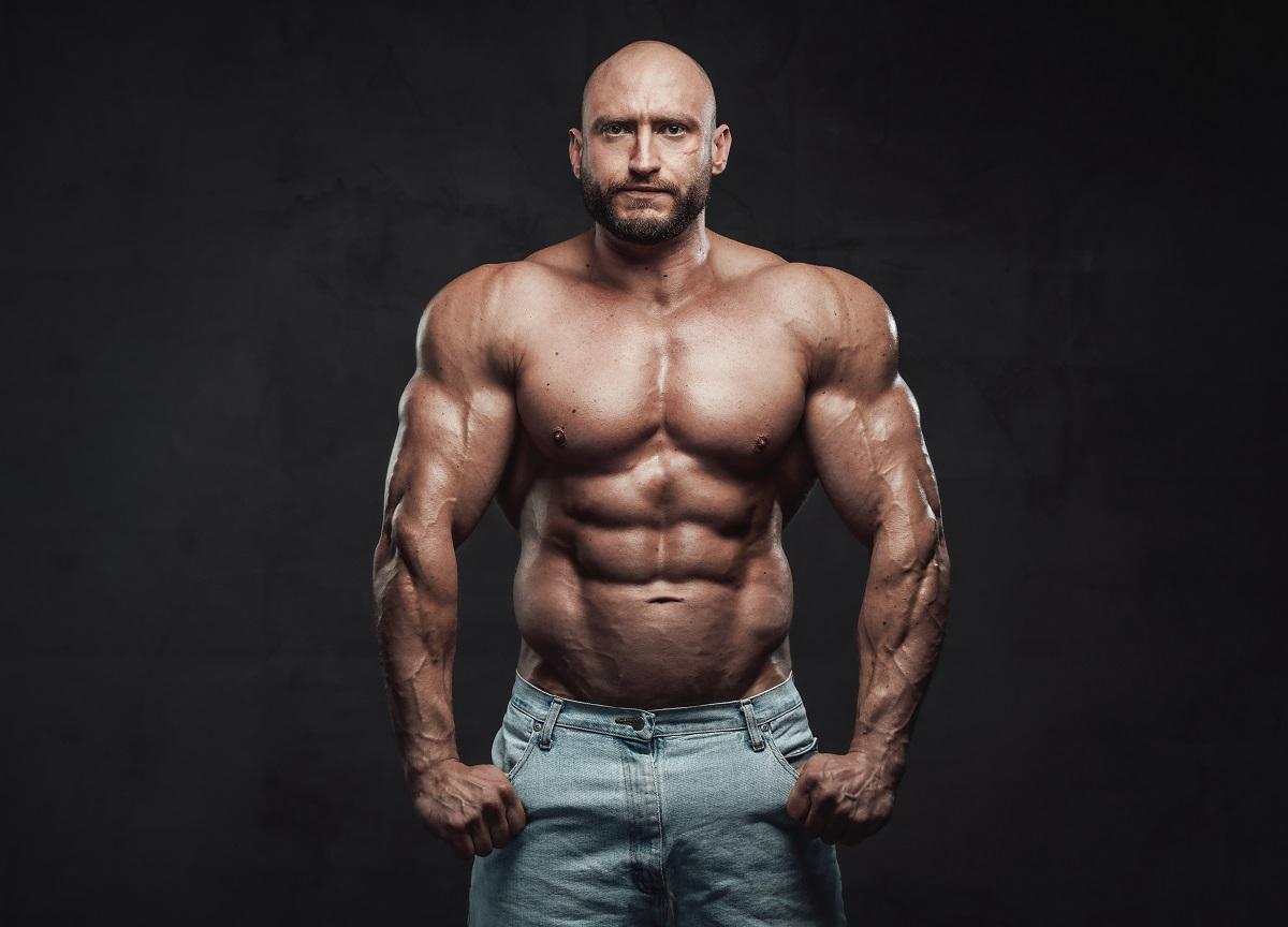 Tony Geraldo are bicepși de 72 de cm. Ce a făcut pentru a-și mări brațele atât de mult și cum arată înainte
