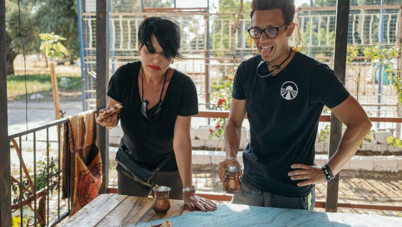 """Concurenții au parte de experiențe culinare inedite în ediția 6 din Asia Express, sezonul 4: """"Mirosea tot a cămilă"""""""