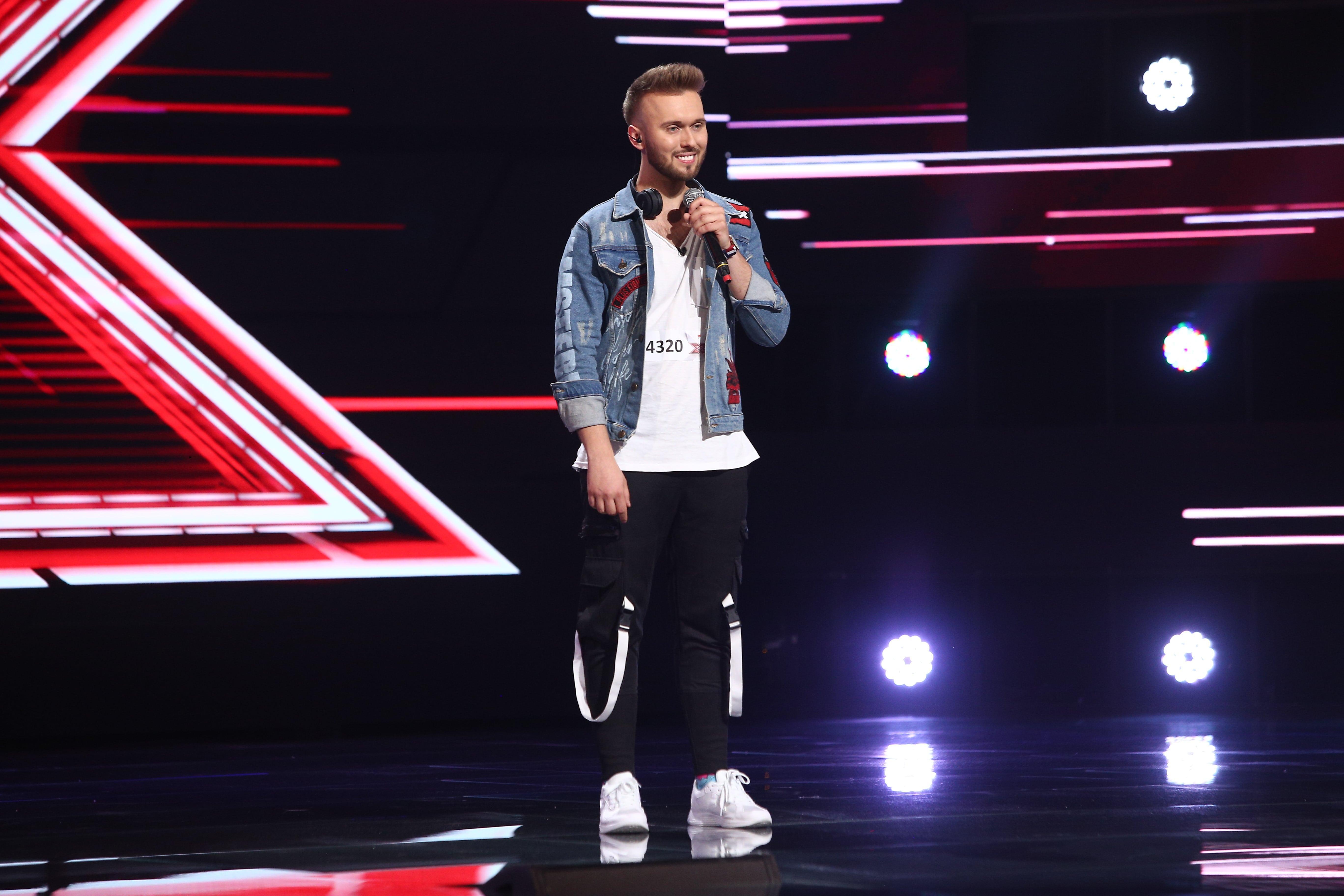 """X Factor 2021, 24 septembrie. Szymon Grzybacz a venit din Polonia și a impresionat juriul cu interpretarea piesei  """"Someday"""""""