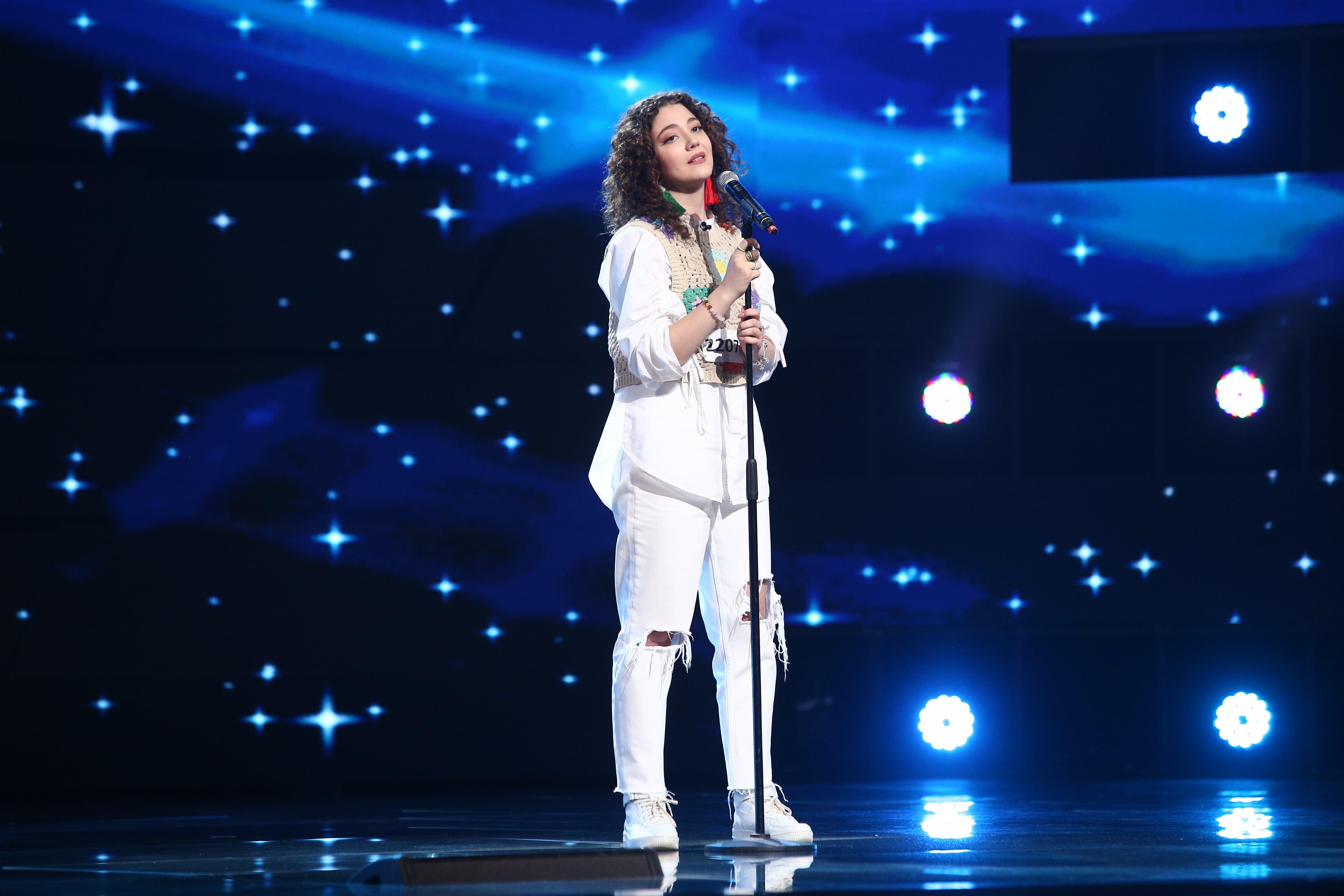 """X Factor 2021, 24 septembrie. Yarina Cozma, interpretarea originală a piesei """"Săracă inima mea"""" cu care a emoționat juriul"""