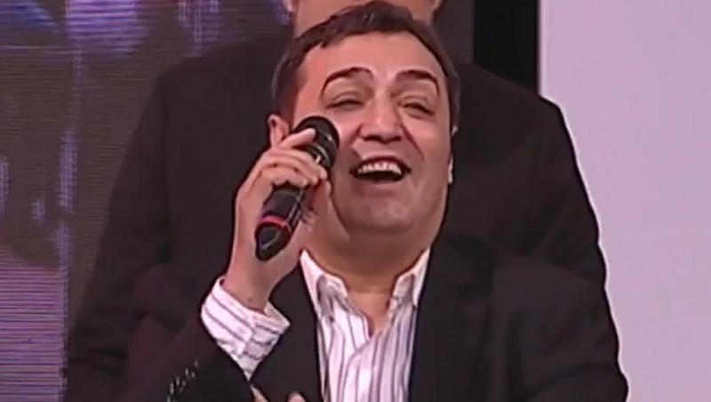 petrică-cercel-cu-microfonul-la-gură