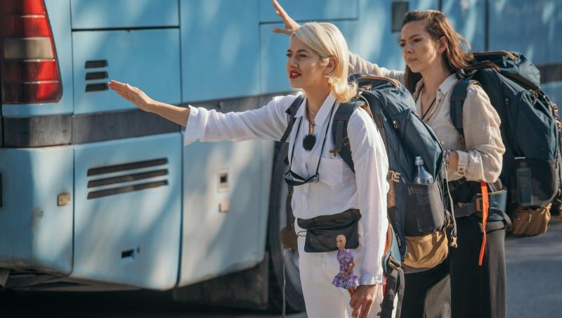 Lidia Buble și Estera Buble în căutarea de transport, în Asia Express, sezonul 4