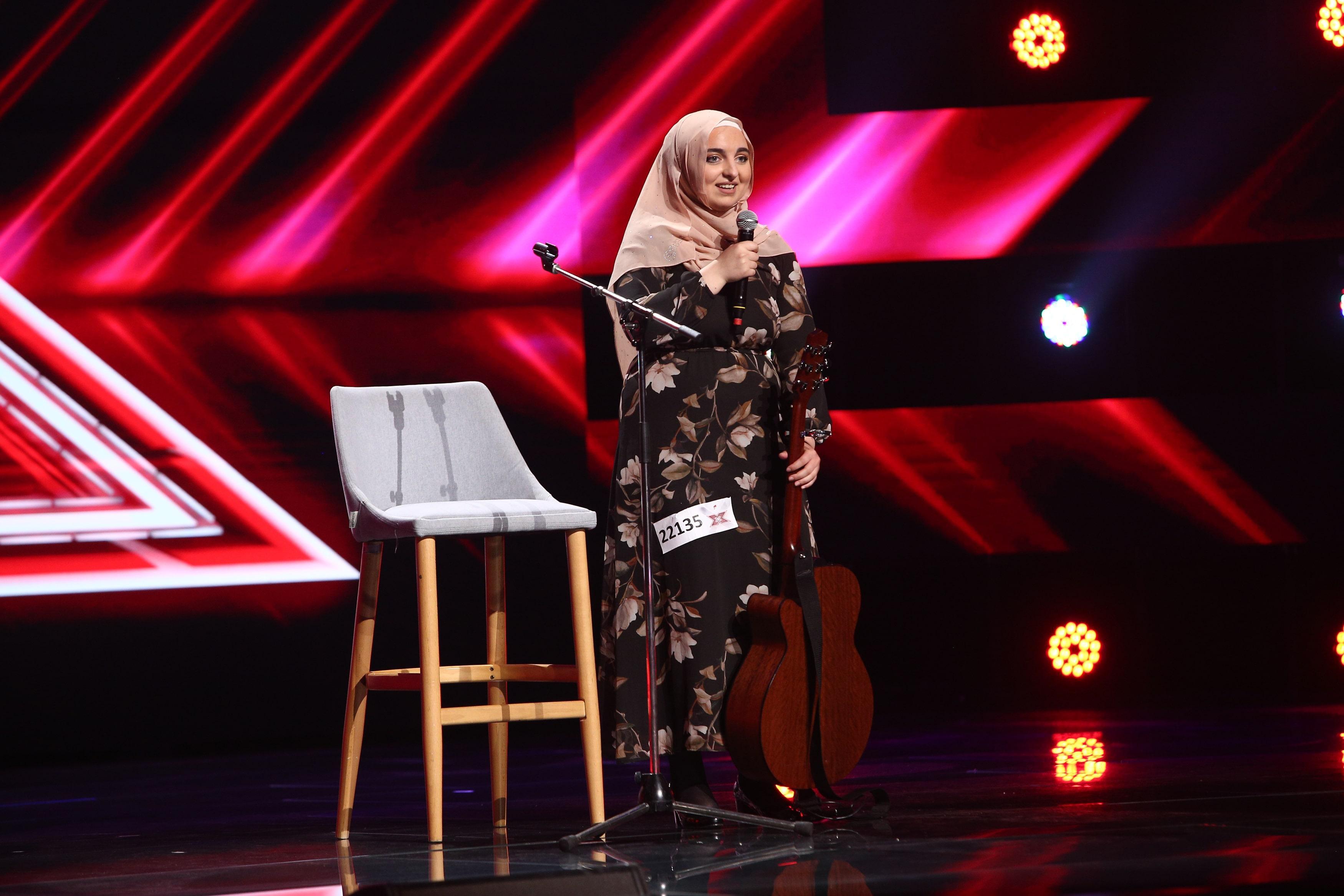 X Factor 2021, 6 septembrie. Mirela Bogasieru a surprins juriul cu o interpretare inedită a piesei Blue Jeans