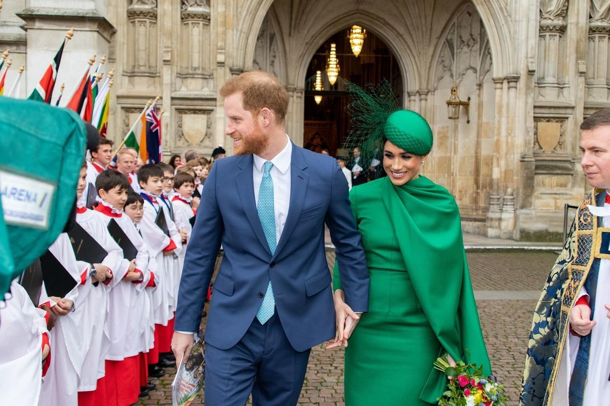 """Ce """"ofertă"""" au îndrăznit să îi facă Meghan Markle și Prințul Harry Reginei Elisabeta a II-a. Planul pus la cale de Ducii de Sussex"""