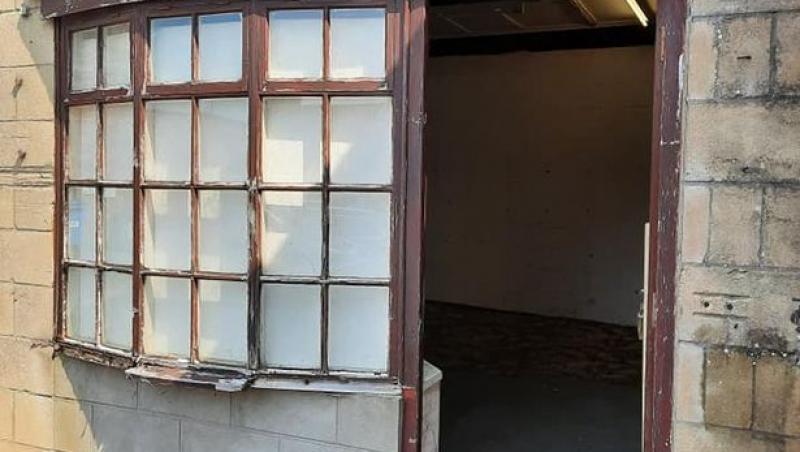Poza magazin vechi renovat de Daniel Bodman