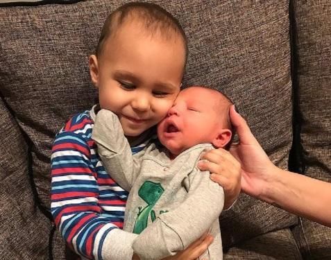 Fiul lui Alex Velea și al Antoniei face senzație pe Instagram. Cum arată astăzi Dominic