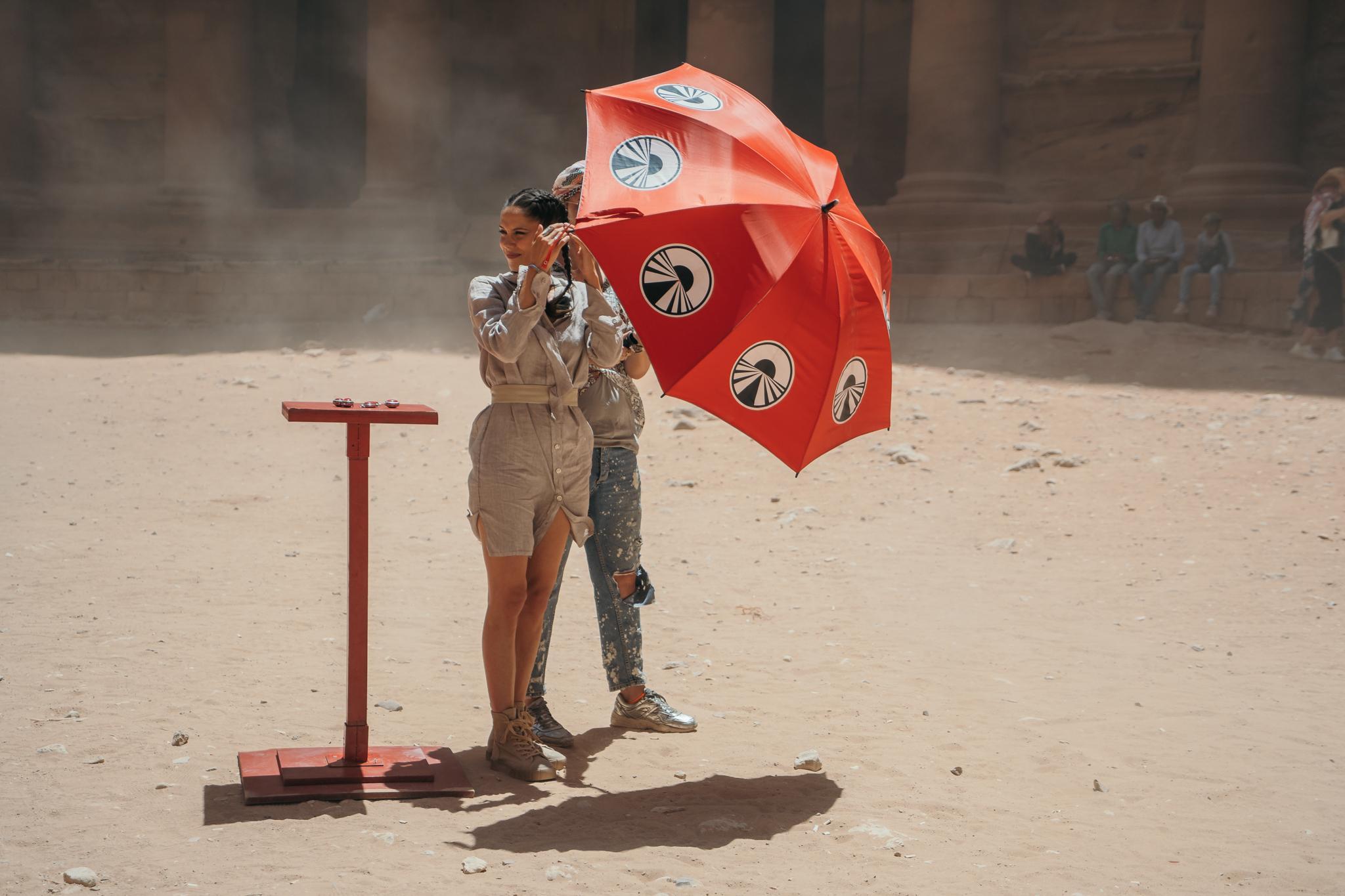 Fotoreportaj Asia Express, episodul 21. Membrii echipei de filmare au avut parte de peripeții în Deșert. Ce i-a pus în încurcătură