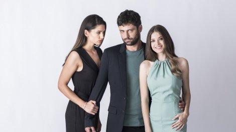 Cel de-al doilea sezon al serialului Adela va avea premiera joi, 19 august, de la ora 20.30, la Antena 1!