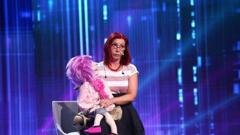 """iUmor, 23 octombrie 2021. Julia Kolarova, numărul de ventrilocie cu care a speriat-o pe Delia: """"Visez la noapte"""""""