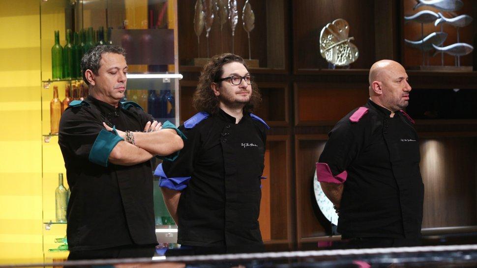 Cine sunt cei trei finaliști Chefi la cuțite. Ce concurenți se luptă pentru marele premiu din sezonul 9