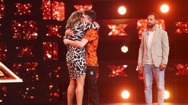 """Andrei Calancea a avut """"unul dintre cele mai emoționante momente"""" X Factor. Interpretarea care i-a adus 4xDA și o îmbrățișare de la Loredana"""